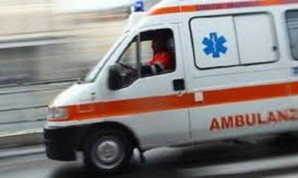 Camionista si schianta contro un muro e muore