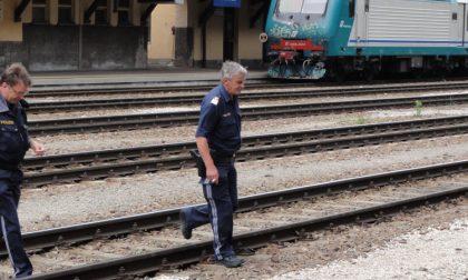 Denunciato per pedopornografia: scatta foto ad una minorenne in treno