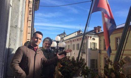 Cuneo: ritirata la bandiera francese dal balcone del comune