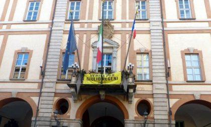 Bandiera francese sul balcone del Municipio di Cuneo