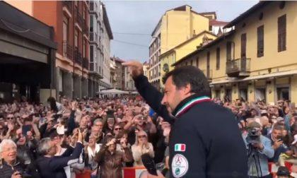 Salvini contro l'elemosiniere del Papa: da Bra fa il giro d'Italia