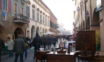 Domenica a Cherasco: Mercato dell'antiquariato e del collezionismo