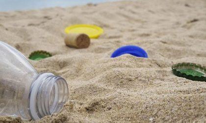 """Il preside: """"Ragazzi, quest'estate divertitevi e… pulite un tratto di spiaggia"""""""