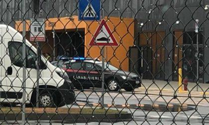 Incidente sul lavoro al polo Amazon di Torrazza, operaio folgorato grave al Cto