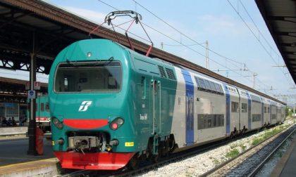 Auto travolta dal treno regionale Torino-Cuneo, circolazione interrotta