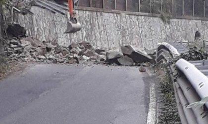 Grossa frana sulla strada del Turchino. Tecnici al lavoro, traffico interrotto