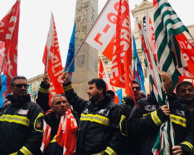Vigili del fuoco, quattro giornate di sciopero nazionale