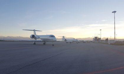 Voli cancellati per Covid, passeggeri infuriati per mancato rimborso