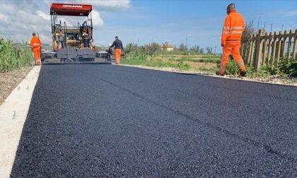 Tangenziale di Saluzzo, si viaggia a senso unico alternato per l'asfaltatura