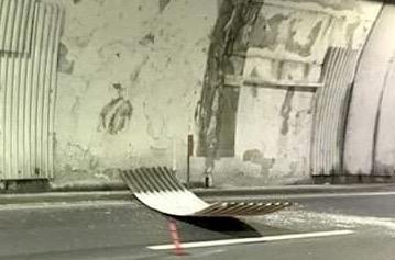 Autostrada per Genova, nuovo cedimento in galleria