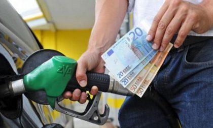 Effetto Coronavirus scendono i prezzi di benzina e diesel