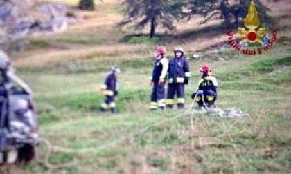 Precipitano in un dirupo col fuoristrada: morti cinque giovanissimi