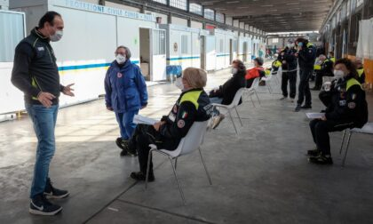 Inizia la campagna vaccinale per la Protezione Civile, Cirio presente all'hot spot di Fossano