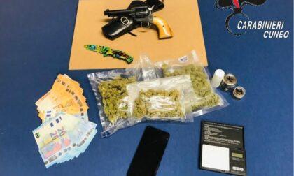 Tra marijuana e ketamina, trovata in casa anche una pistola illegale: in manette 30enne di Alba