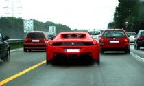Con la Ferrari a 300 all'ora in autostrada a Cuneo: che stangata!