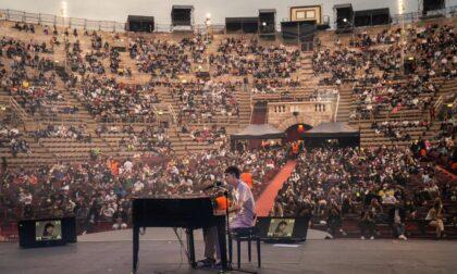 Il primo momento di gloria di Matteo Romano all'Arena di Verona con Emma