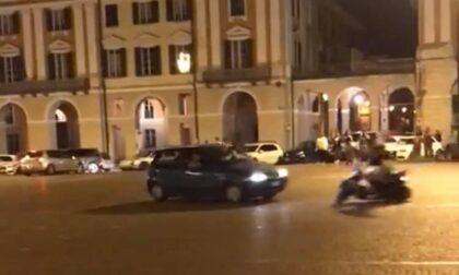 Drammatica festa Italia in piazza a Cuneo: una 13enne in ospedale, frontale fra moto e auto
