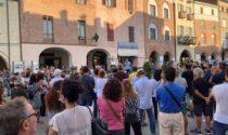 """Manifestazione """"No Green Pass"""" a Savigliano: oltre 200 persone in piazza"""
