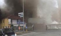 Savigliano, a fuoco una concessionaria d'auto. Intervento dei pompieri
