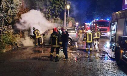 A Cavallermaggiore gira un piromane: in poche settimane incendiate cinque auto