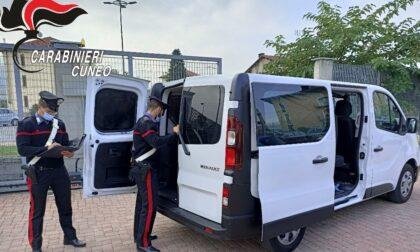 """Carabinieri fuori servizio sgomina banda di """"passeurs"""": tre arrestati"""