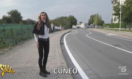 Segnaletica da capogiro a Cuneo, il servizio di Striscia la Notizia